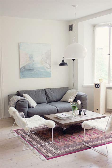 salon avec canapé gris tapie pour le salon gascity for