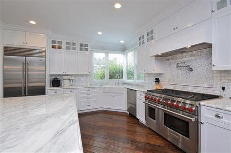 flooring for kitchen cabinets 1143 best kitchen design images on kitchen 6656