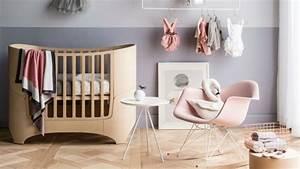 la peinture chambre bebe 70 idees sympas With affiche chambre bébé avec fauteuil fleur design