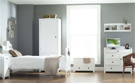 distressed white bedroom furniture oak for white wood bedroom furniture to get durability