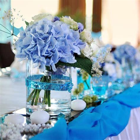 blumenschmuck hochzeit hortensien deko mit hortensien in 2019 tischdekoration zur hochzeit blaue hortensien hochzeit