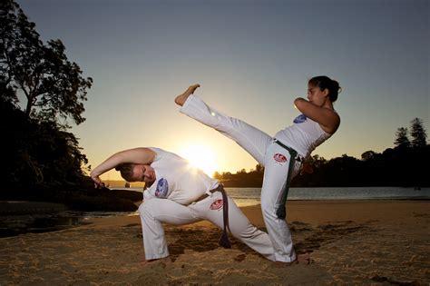 Capoeira Basics: Meia Lua De Frente