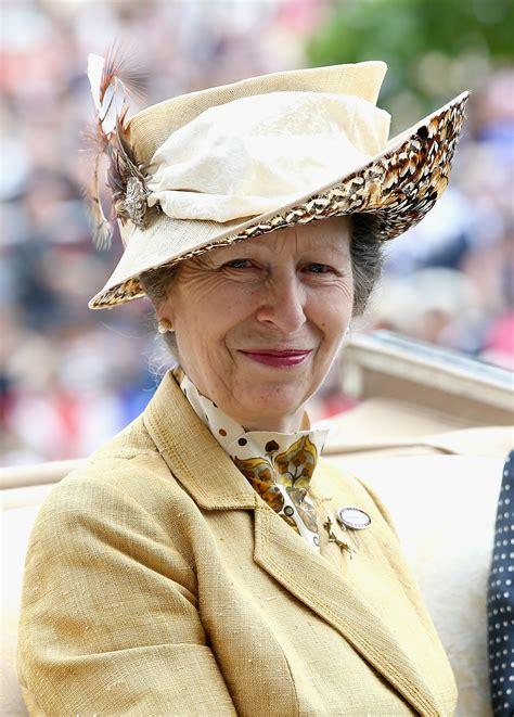 It Turns Out The Queen Has A Secret Facebook Account