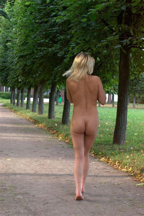 Blonde Milf Posing Naked At Homestead Russian Sexy Girls