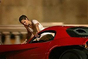 Jolie + Viper + Guns = Hot! - SuperHeroHype