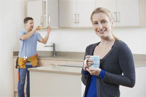 cout pose cuisine le prix de l 39 installation de meubles de cuisine par des