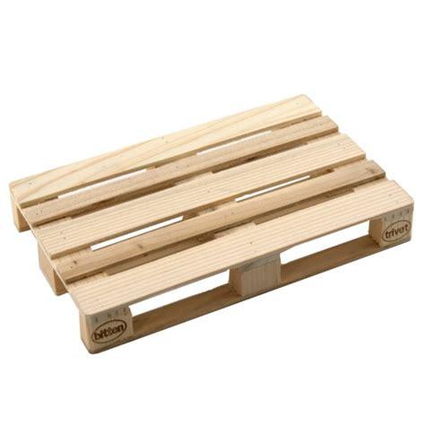 möbel aus holzpaletten tisch europalette 2 b nke 1 tisch aus paletten palettenm