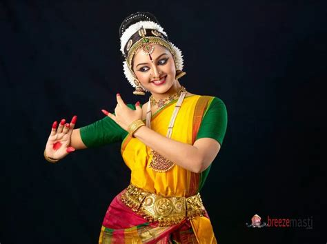 26 Best Malayalam Film Actress Hot Stills Images On