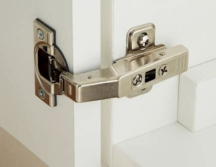 fitting kitchen cabinet hinges soft curved door hinge pack howdens joinery 7215