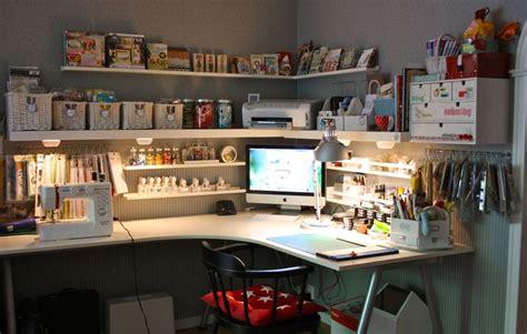 bureau d 39 angle ikea avec coin ordi dans l 39 angle et coin