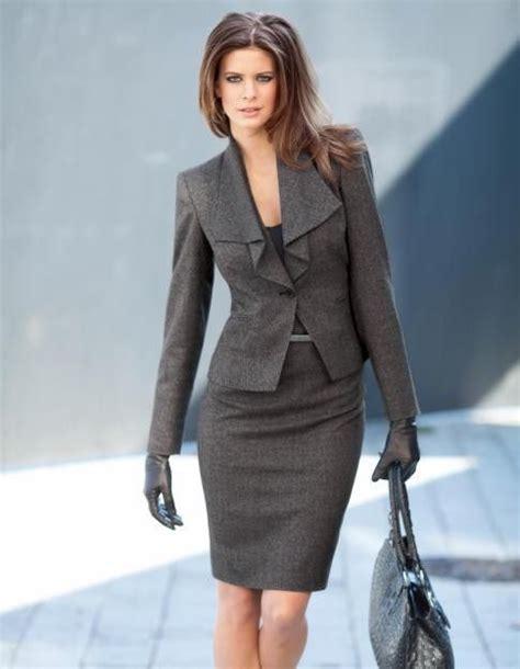 Trajes para mujeres ejecutivas fotos - Buscar con Google | trajes oficina mujer | Pinterest ...