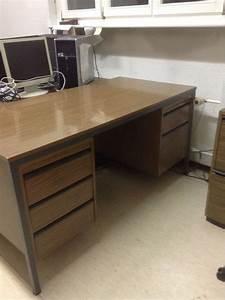 Schreibtisch Mit Stuhl : pult schreibtisch mit stuhl ab fr 1 kaufen auf ricardo ~ A.2002-acura-tl-radio.info Haus und Dekorationen