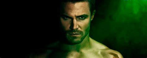'Arrow': Stephen Amell, sin camiseta y muy cachas en el ...