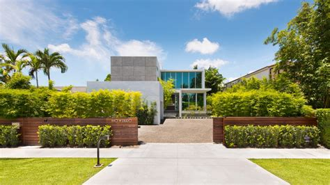 modern waterfront home  miami  sale architectural