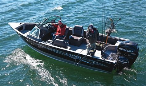 Lund Boats Vs Tracker by Research 2015 Lund Boats 2000 Sport Angler On Iboats