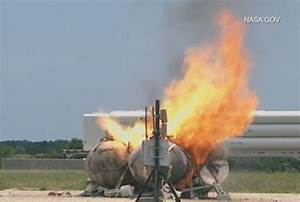 NASA's Morpheus lander explodes during test at KSC