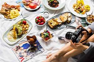 WHAT CAMERA DO I USE? THE BEST CAMERA FOR FOOD PHOTOGRAPHY | Cyn Eats - A Food and Travel Blog