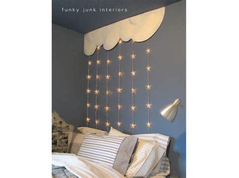 etoile lumineuse pour chambre 1000 idées sur le thème lits pour bébé fille sur