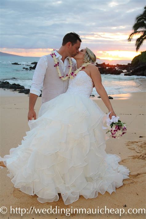 affordable maui beach weddings affordable barefoot maui