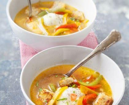 soupe aux trois poivrons recette de soupe aux trois poivrons marmiton