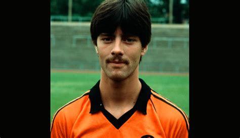 Joachim löw, 3 şubat 1960 tarihinde, almanya'nın schönau şehrinde dünyaya gelmiştir. DFB-Team - Seite 1
