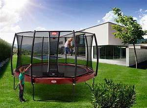 Trampolin Für Den Garten : ein trampolin macht kinder sportlich ratgeber bungen ~ Michelbontemps.com Haus und Dekorationen