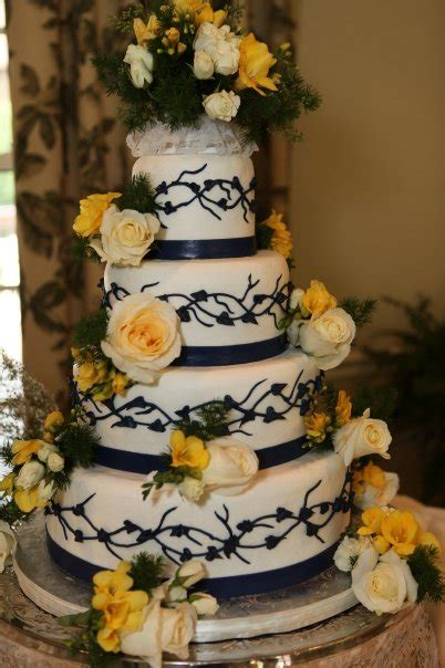 vecoma   yellow river  awesome wedding cakes
