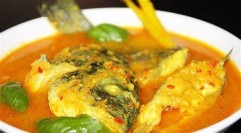 Ada banyak resep ikan bumbu kuning yang bisa kamu masak sendiri. Resep dan Cara Membuat Ikan Mas Bumbu Kuning yang Lezat dan Nikmat - Selerasa.com