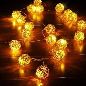 Guirlande Photo Lumineuse : 4m guirlande lumineuse avec 20 led boule rotin sepak ~ Teatrodelosmanantiales.com Idées de Décoration