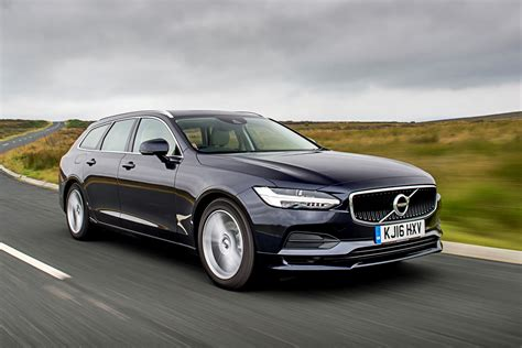 Volvo Car : New Volvo V90 D5 Momentum Review
