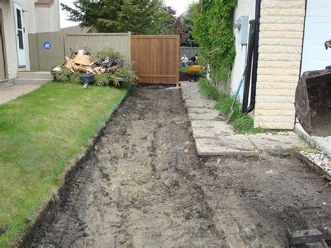 grading backyard drainage grading a backyard 28 images yard grading 101 how to grade a yard for proper drainage