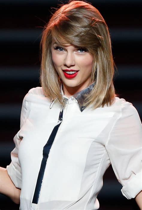 Taylor Swift Net Worth - Celebrity Sizes