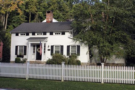 Picket Fence Designs (pictures Of Popular Types