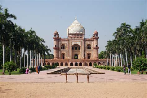 discovering  delhi india    globe