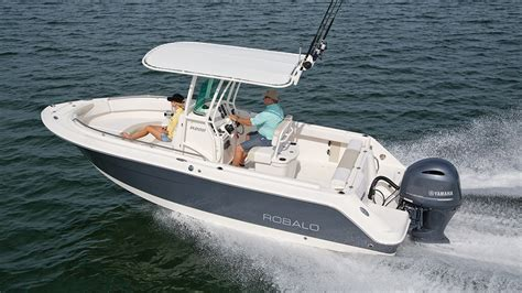 Review: Robalo 222 CC | New England Boating & Fishing