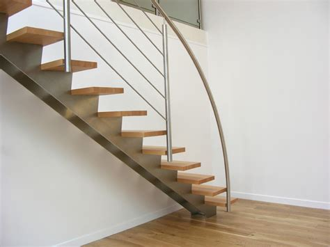 escalier droit design inox et bois contemporain escalier par inoxdesign fr garde
