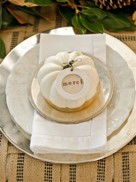 white pumpkins  decorate  thanksgiving table