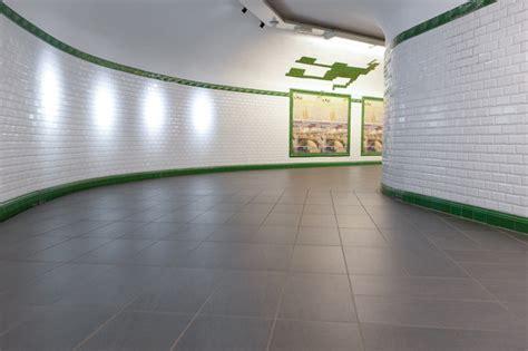 metro porte de versaille metr 242 porte de versailles l 233 a ceramiche reference projects herstellerreferenzen