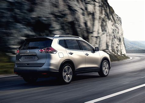The 3rd row seats for occasional extra passenger comes in useful. NISSAN X-Trail (T32) specs & photos - 2014, 2015, 2016 ...