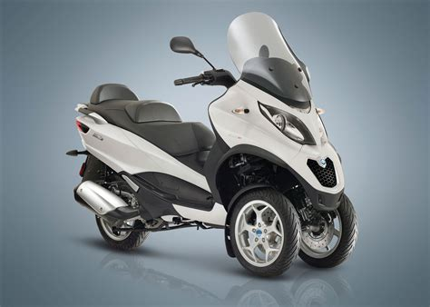 Review Piaggio Mp3 Business by 2018 Piaggio Mp3 500 Business Lt Abs Asr Review Total