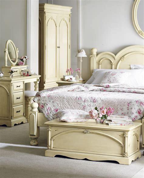 Vintage Bedroom Furniture by 20 Awesome Shabby Chic Bedroom Furniture Ideas Bedrooms