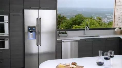 Electrolux Side By Side Refrigerator   Counter Depth