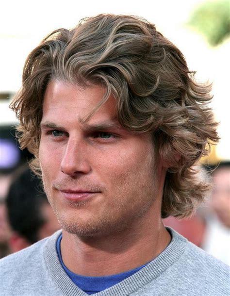medium length mens wavy hairstyles 2014