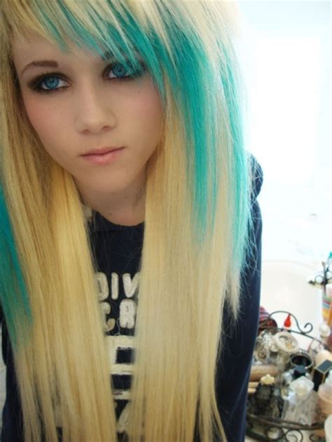 Blonde Hair With Turquoise Streaks And I Actually Like