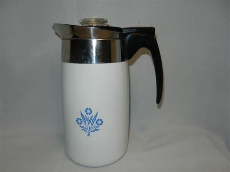 Not sure of the maker as it is not stamped on the bottom, nor am i sure of the time period. Vintage Corning Ware Blue Cornflower Electric 10 Cup ...