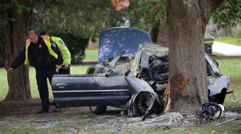 driver dies  car hits tree  libertyville