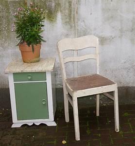 Alte Stühle Aufarbeiten : alte st hle recyclingkunst und der versuch langsam und nachhaltig zu leben ~ Buech-reservation.com Haus und Dekorationen
