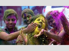 Holi 2017 Whatsapp and Facebook messages to wish your