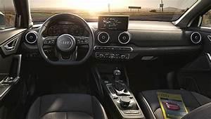 Audi Q2 Interieur : dimensions audi q2 2016 coffre et int rieur ~ Medecine-chirurgie-esthetiques.com Avis de Voitures