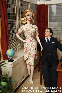 Photographer Modifies Barbie Dolls After  U2018mad Men